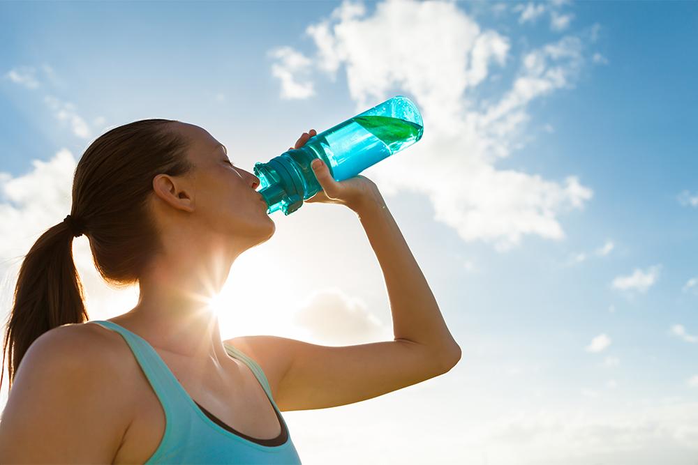 bere acqua alcalina nello sport